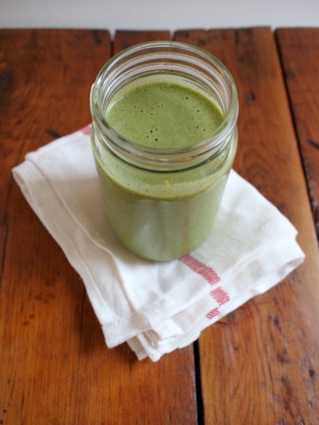 green monkey lactation smoothie | bloom & nourish