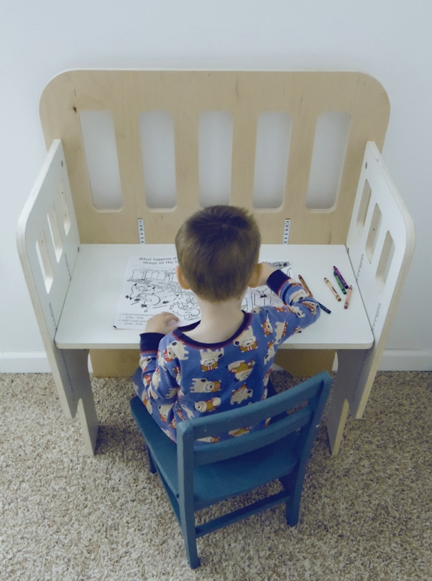 Modern Co-Sleeper turns into a desk | Modern Arks + Bloom & Nourish #giveaway
